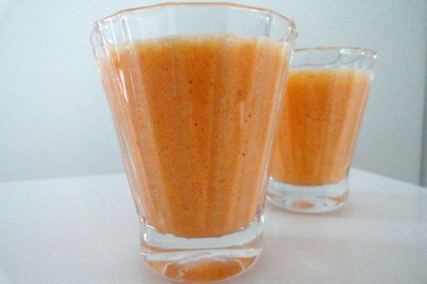 Karotten-sauermilch-smoothie